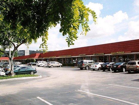 Plantation Community-Plaza
